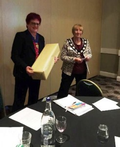IPP Jane receives a 'thank you' gift from President Ann