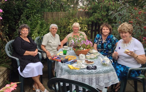 tea party with members - photo #40