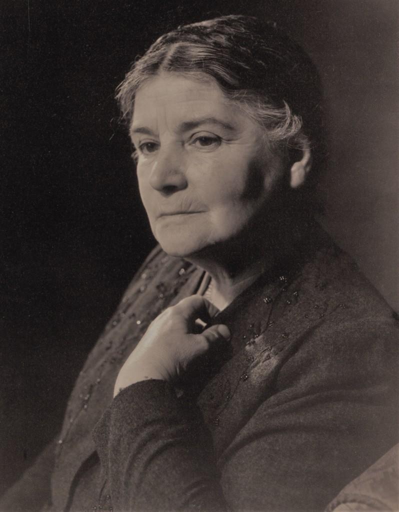 Dr Anne McAllister