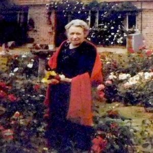 Elizabeth Hawes MBE