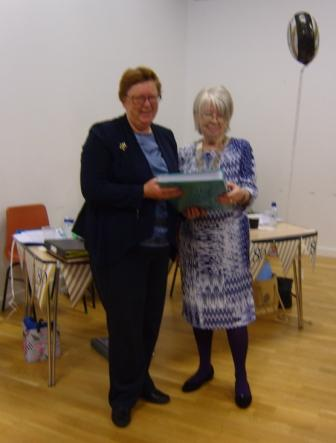 Presentation of Photo Album to IPP Marian, 19 11 2016 (a) - web