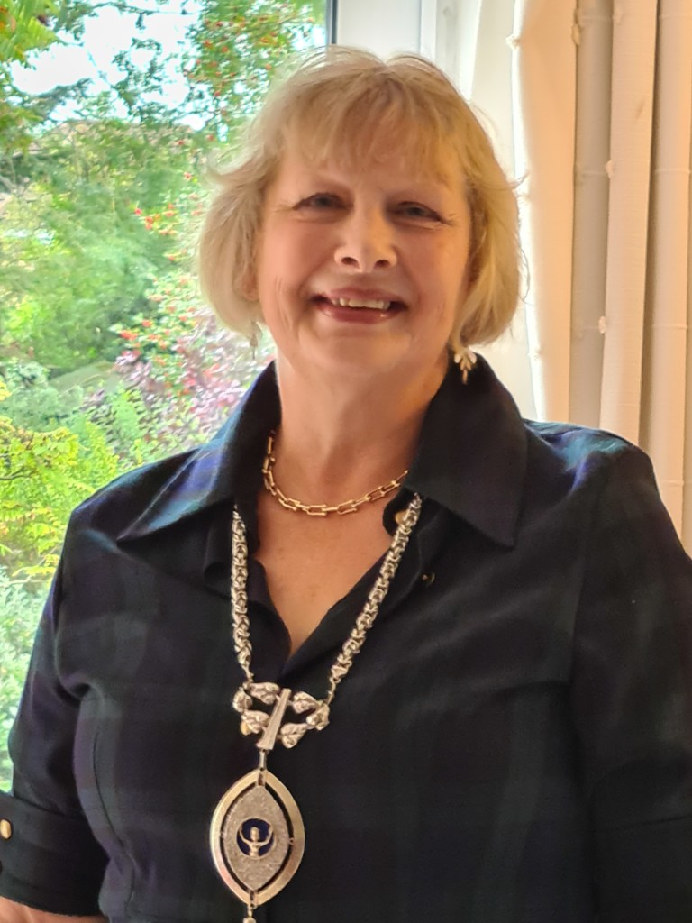Soroptimist London Chilterns Region President Helen Byrne