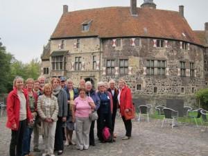 47-Muenster Schloss Vischering Group Web