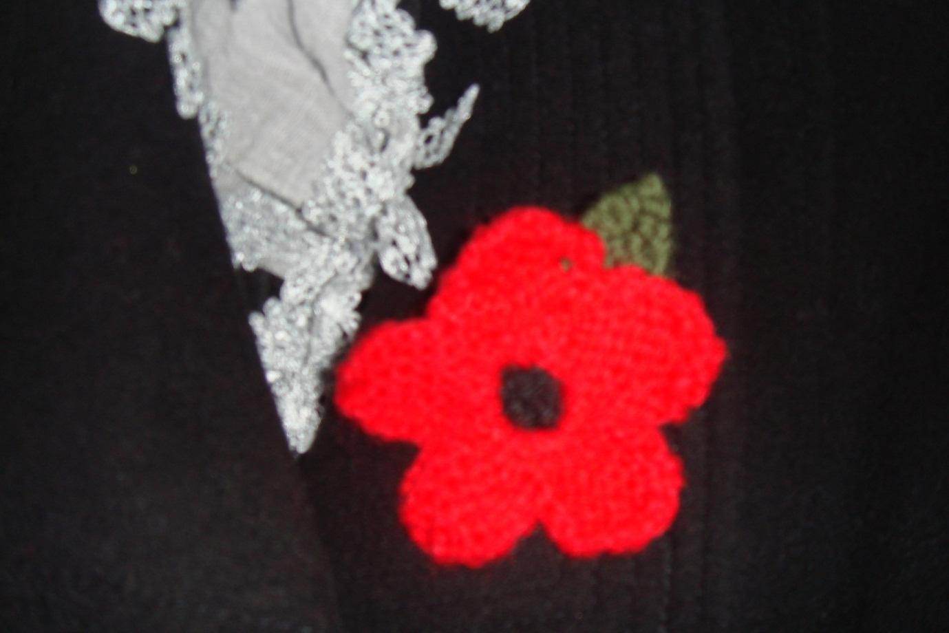 Knitted Poppy Pattern For British Legion : Knitted Poppies support British Legion SI St Helens