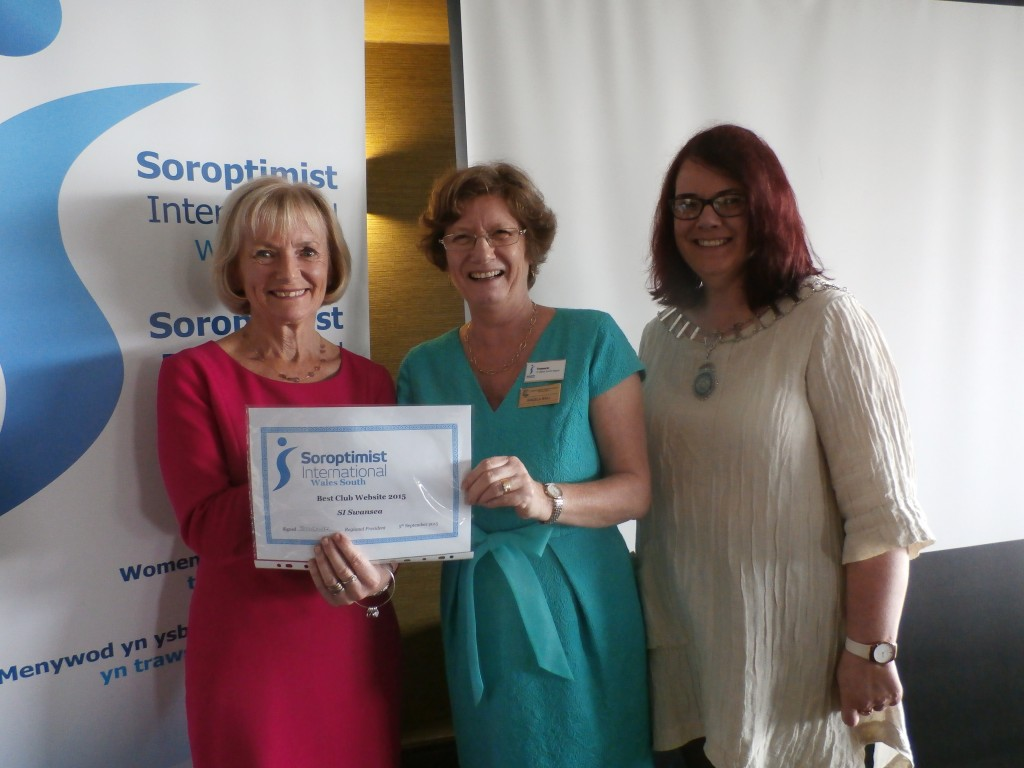 Glenys Kinnock awarding Most improved website to Angela Ball SI Swansea