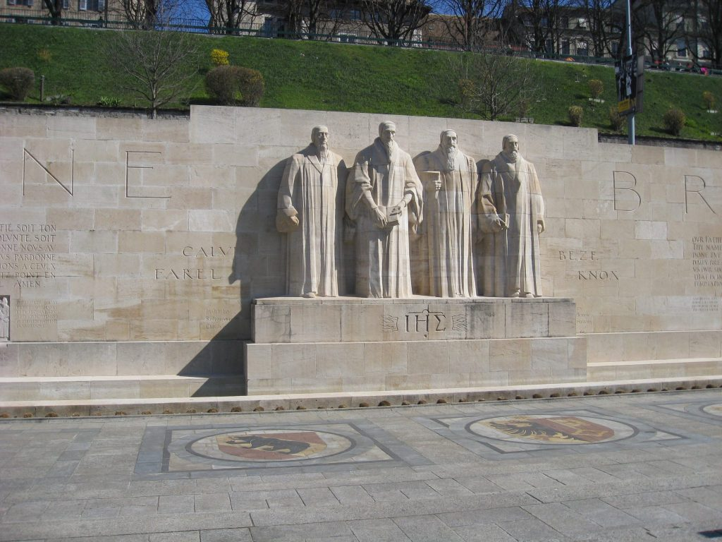 In the centre of the 100m long wall are 5m high statues of the four leaders of the Reformation - Jean Calvin, Guillaume Farel, Theodore de Beze and John Knox.