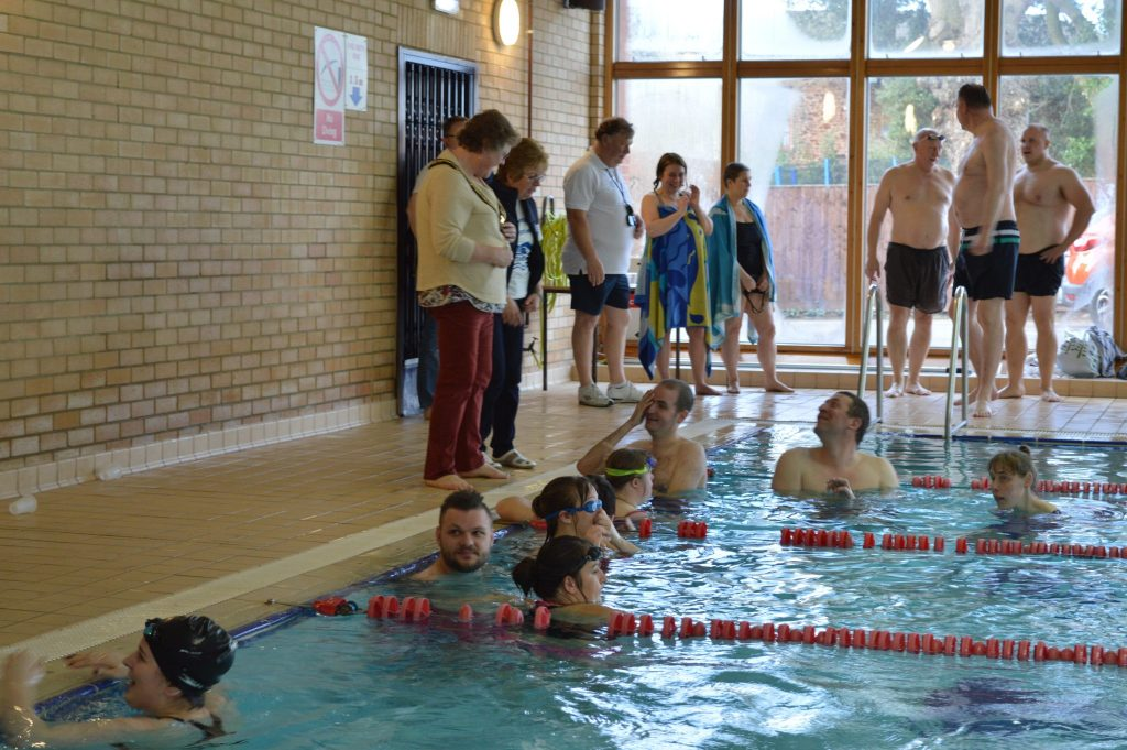 Taunton Mayor, Hazel Prior-Sankey, chats to the UR Swimmers