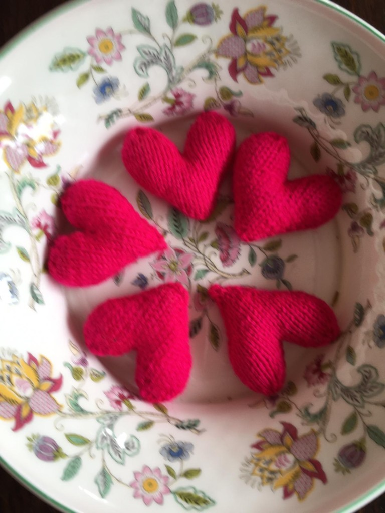 knitted hearts for dementia patients